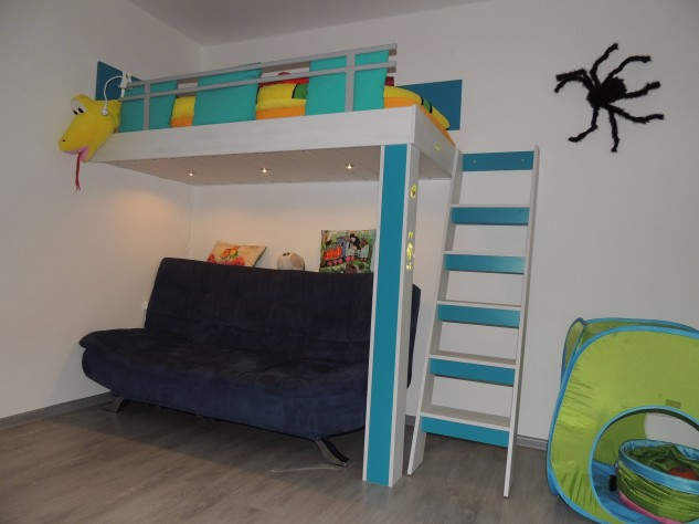 CHILD ROOM FOR SMALL PUPIL