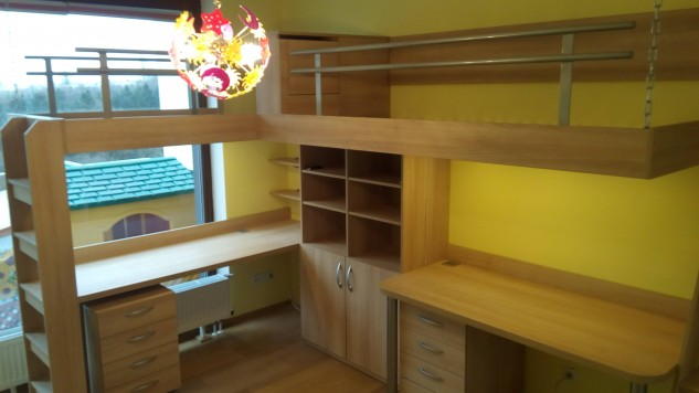 TWO COLOR CHILDREN'S ROOM